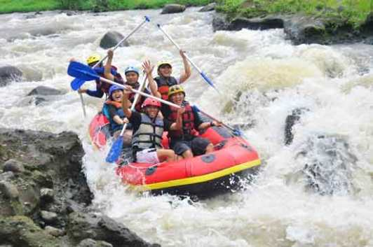 10. Rafting baung - outboundingindonesia